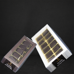 Grafica con diversi contenitori cioccolatini fondenti all'amaro poldo