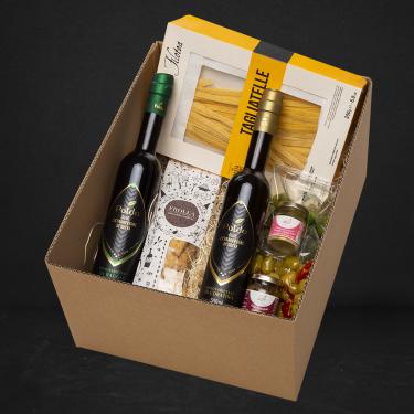 Pacco regalo contenente prodotti tipici locali
